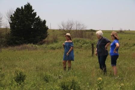 Rose, Vanessa, Vicki in Field